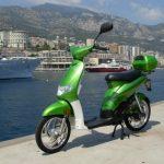 Kosmob : entre scooter et vélo à assistance électrique